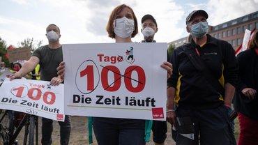 Berlin, 19.8.2021: Zum letzten Mal demonstrieren die Beschäftigten der Berliner Krankenhäuser, bevor sie in den Streik gehen werden